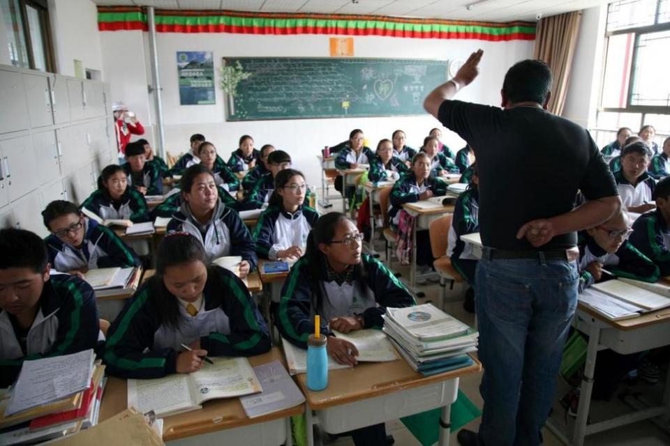 티베트 학생들은 중국 정부로부터 오는 여름방학 동안 종교활동이 금지됐다. 사진출처=홍콩스탠다드