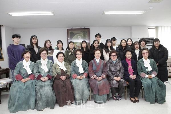 염불공양회 장학금 전달식 후 기념사진