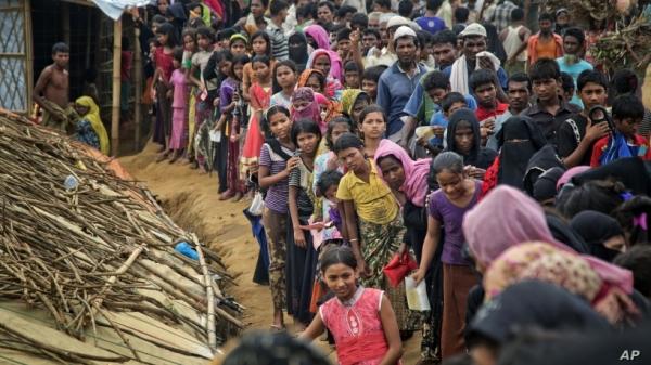 방글라데시 난민촌에 거주 중인 로힝야족들. 사진출처=VOA