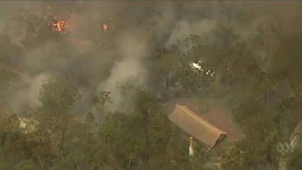 호주에서 가장 오래된 사원인 왓 부다 담마가 불길에 휩싸인 모습. 사진출처=부디스트도어